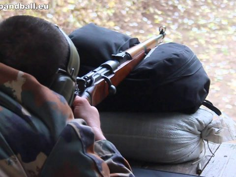 Shooting the Gewehr 98/40 – accuracy and helmet penetration at 100m