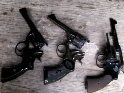 """380 Friday – like 455 Friday but 75 less. Which is the """"best"""" 380/200 service revolver?"""
