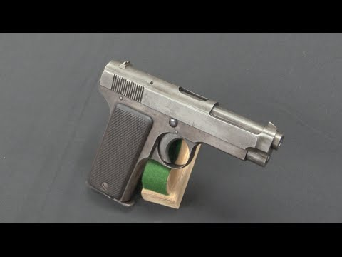 Beretta 1915: the First of the Beretta Pistols