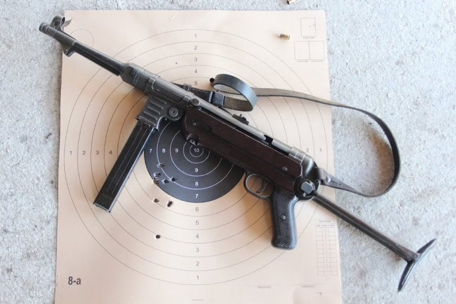 Shooting the German MP40 submachine gun