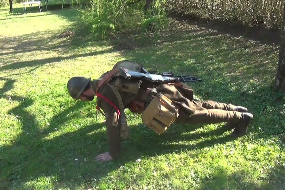 1940s Varusteleka full-kit push-ups challenge
