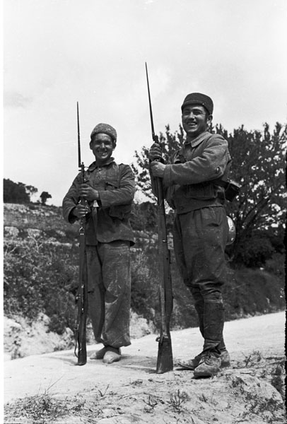 Republican troops with M91 rifles