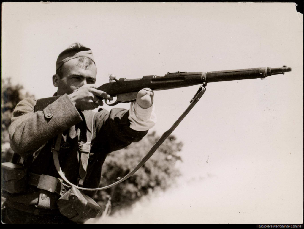 Republican soldier with a Polish M.95 carbine